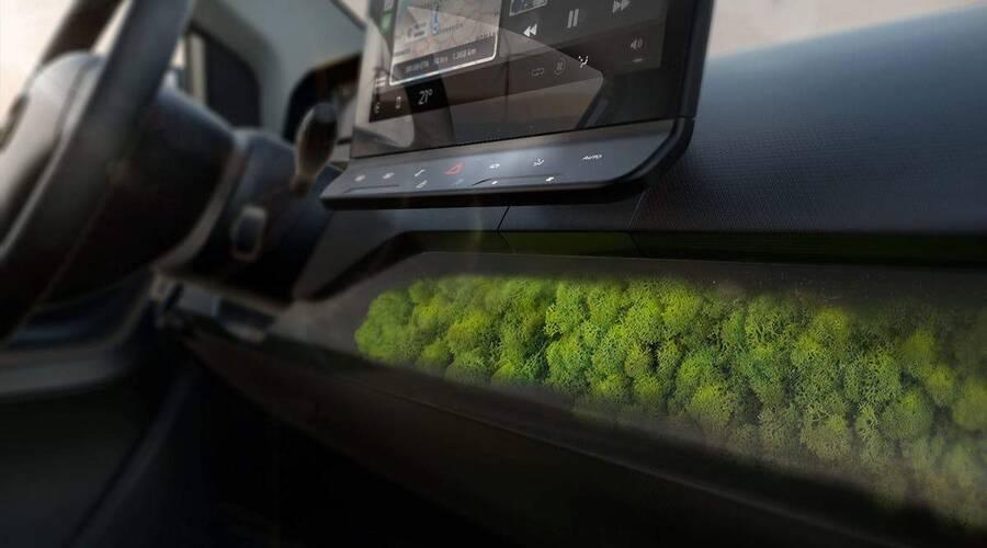 Novinky: Německý solární elektromobil má v základní výbavě mech a lišejník