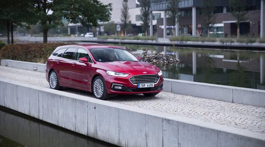Recenze & testy: Ford Mondeo HEV: Opomíjeno neprávem?