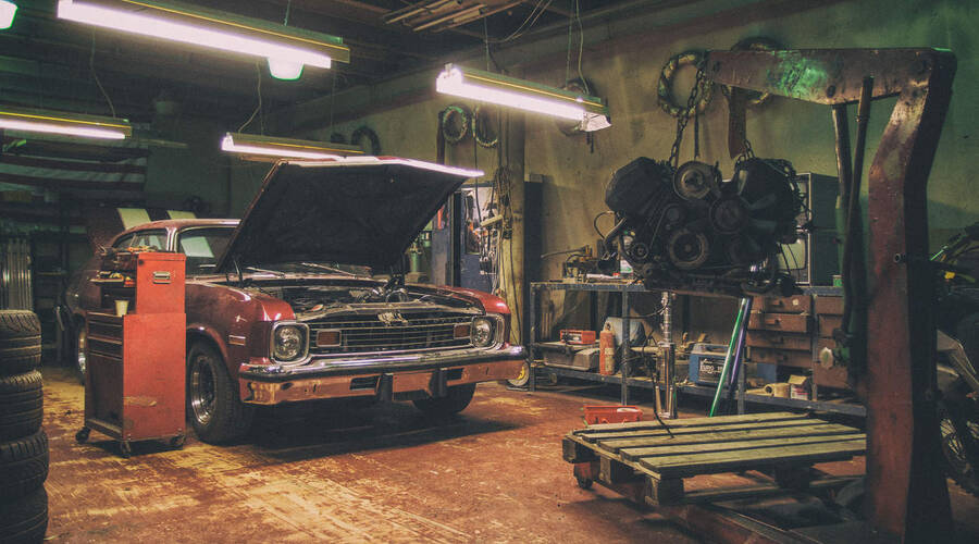 Autíčkář se ptá, Technika: Bez jakého nářadí se v garáži neobejdete?