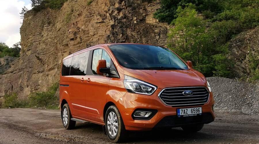 Recenze & testy: Ford Tourneo PHEV: Revoluce v rozvozu?