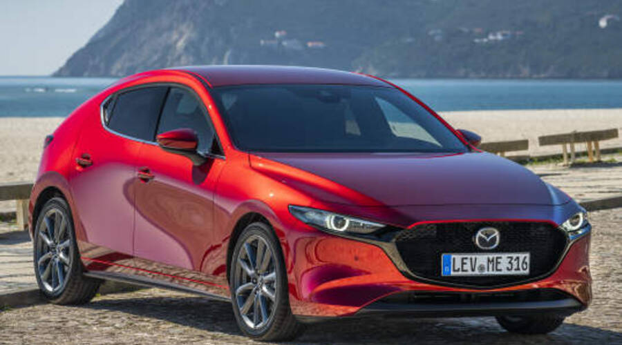 Novinky: Mazda3 dostane příští rok přeplňovaný dvouapůllitr. Je tu ale háček.