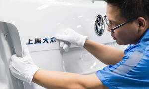 Autíčkář na cestách: BMW jako ušlechtilý kůň a Peugeot jako krásná žena. Jaké názvy mají zavedené značky v Číně?