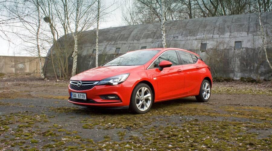 Recenze & testy: Opel Astra 1.4 Turbo: Lehčí, chytřejší