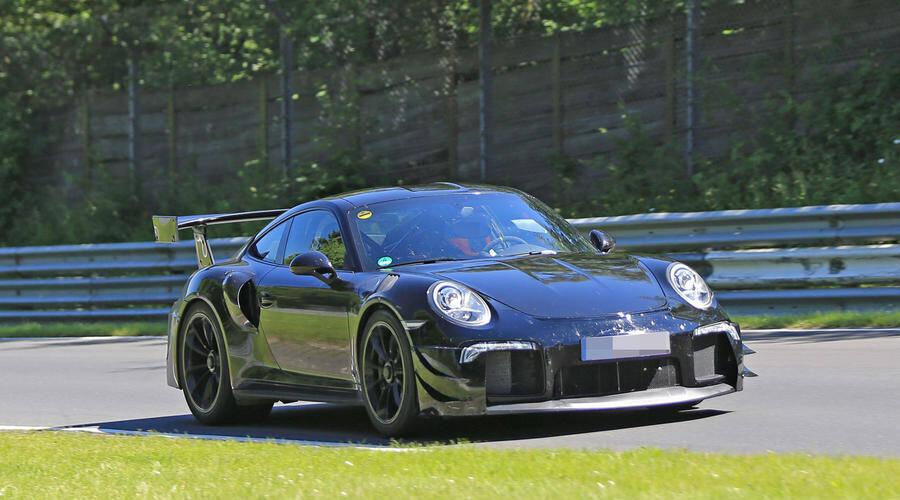 Novinky: Testování nového Porsche 911 GT2 RS je v plném proudu