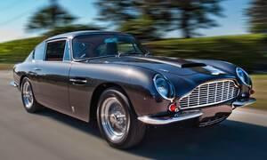 Slavní za volantem: Rockerka za volantem aneb jak umíraly Astony