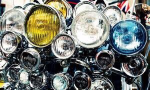 Autíčkářova garáž, Technika: Budiž světlo aneb od acetylenu k polovodičům