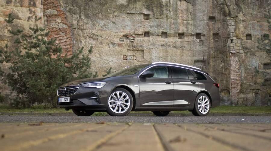 Recenze & testy: Opel Insignia 2.0 CDTI: Svět se mění, Omega zůstává