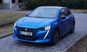 Recenze & testy: Peugeot e208 GT: Krásné auto, průměrný elektromobil