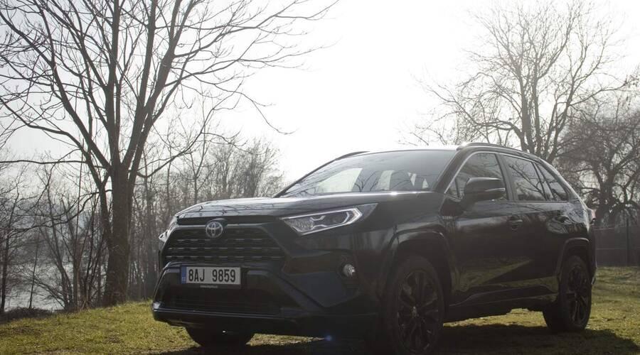 Recenze & testy: Toyota RAV4 Black Edition: A žili spolu šťastně až do smrti