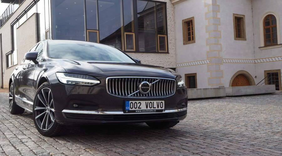 Recenze & testy: Volvo S90 B6 AWD: Jiný přístup
