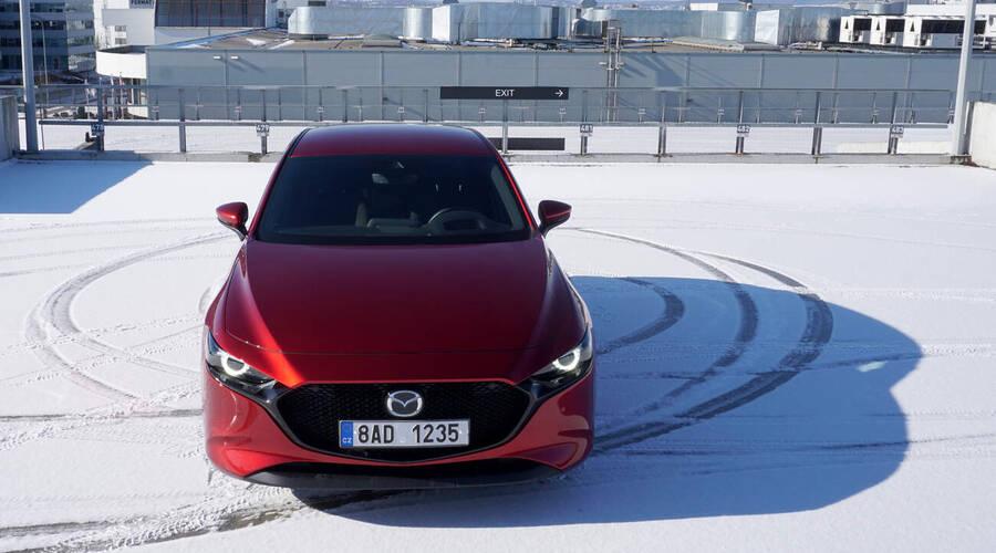 Recenze & testy: Mazda 3 G150 AT: Jiná a skvělá