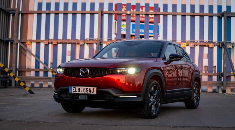 Recenze & testy: Mazda MX-30: Mazda, jen elektrická...