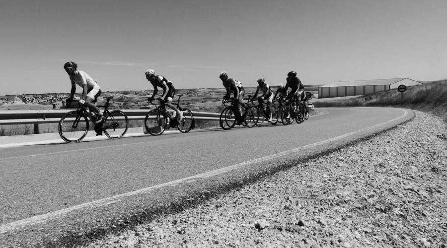 Editorial: O řidičích, cyklistech a skládacím metru