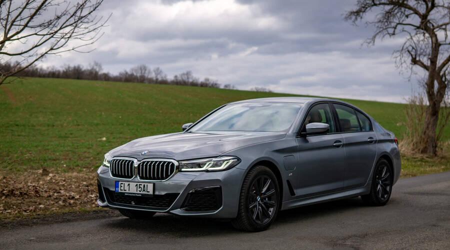 Recenze & testy: BMW 530e xDrive: Synergie stroje a mysli