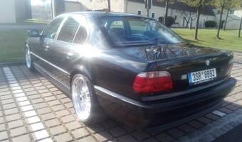 BMW Řada 7 735i 2000
