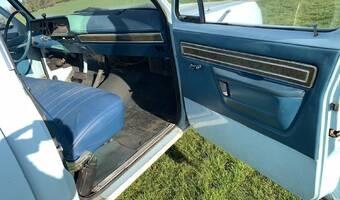 Dodge D100  1976