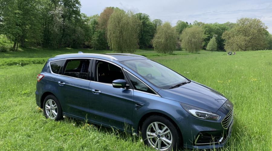 Recenze & testy: Ford S-MAX 2.0 EcoBlue Titanium: Rodinný klenot