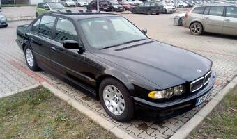 BMW Řada 7 V8 735i 2000