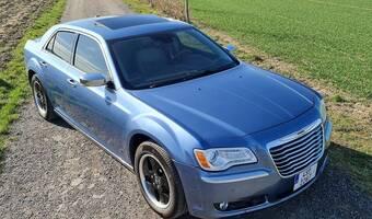 Chrysler 300C 5.7 Hemi AWD full výbava 2011