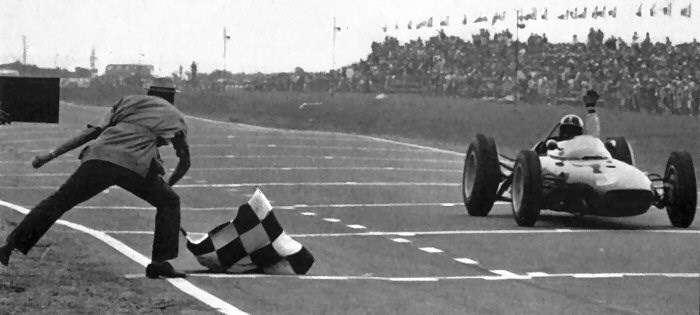 Hill se stává poprvé mistrem světa, Velká cena Jihoafrické republiky, 1962.