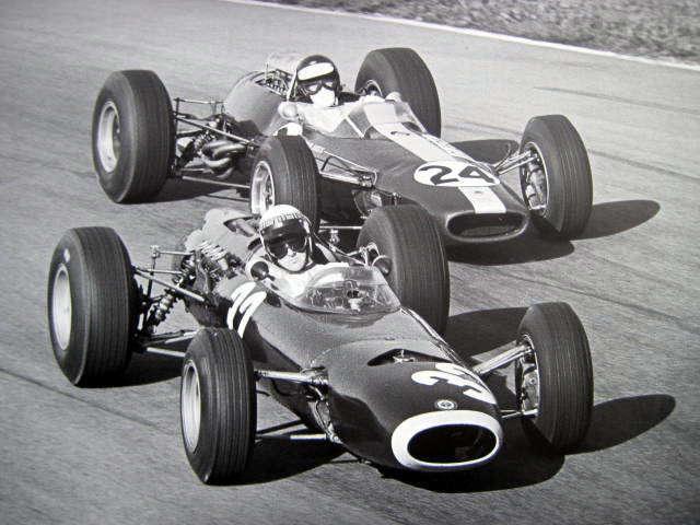 Jackie s monopostem BRM P261 před Jimem Clarkem, první vítězství, Monza, 1965
