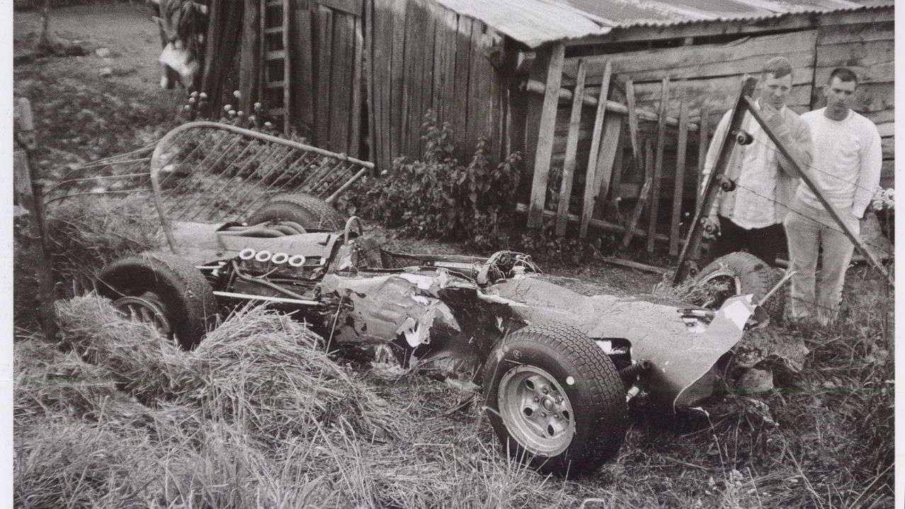 Zdemolované BRM P261 Jackieho Stewarta, Spa, 1966