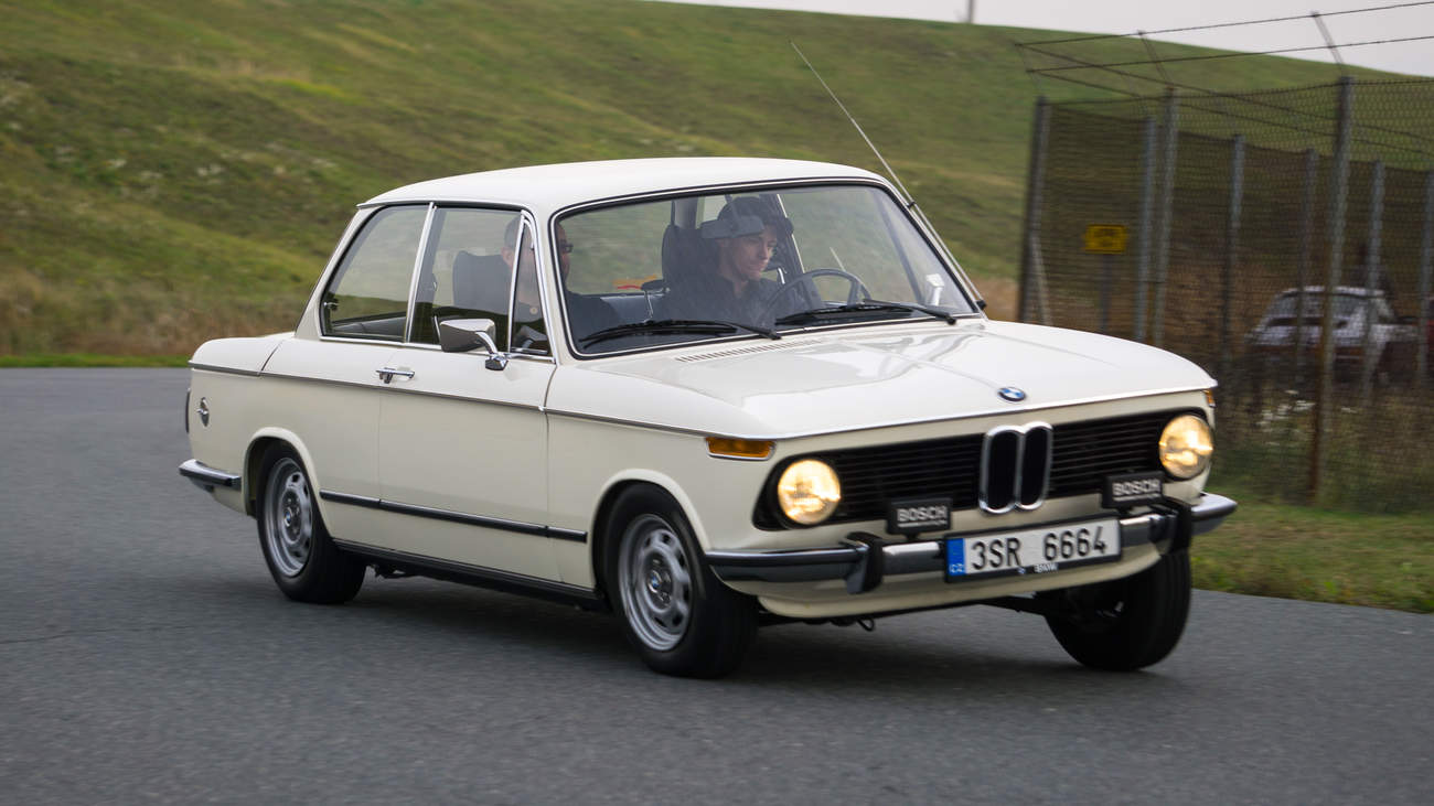 Bmw 1602 Auto Ktere Vytvorilo Novou Tridu Historie Recenze