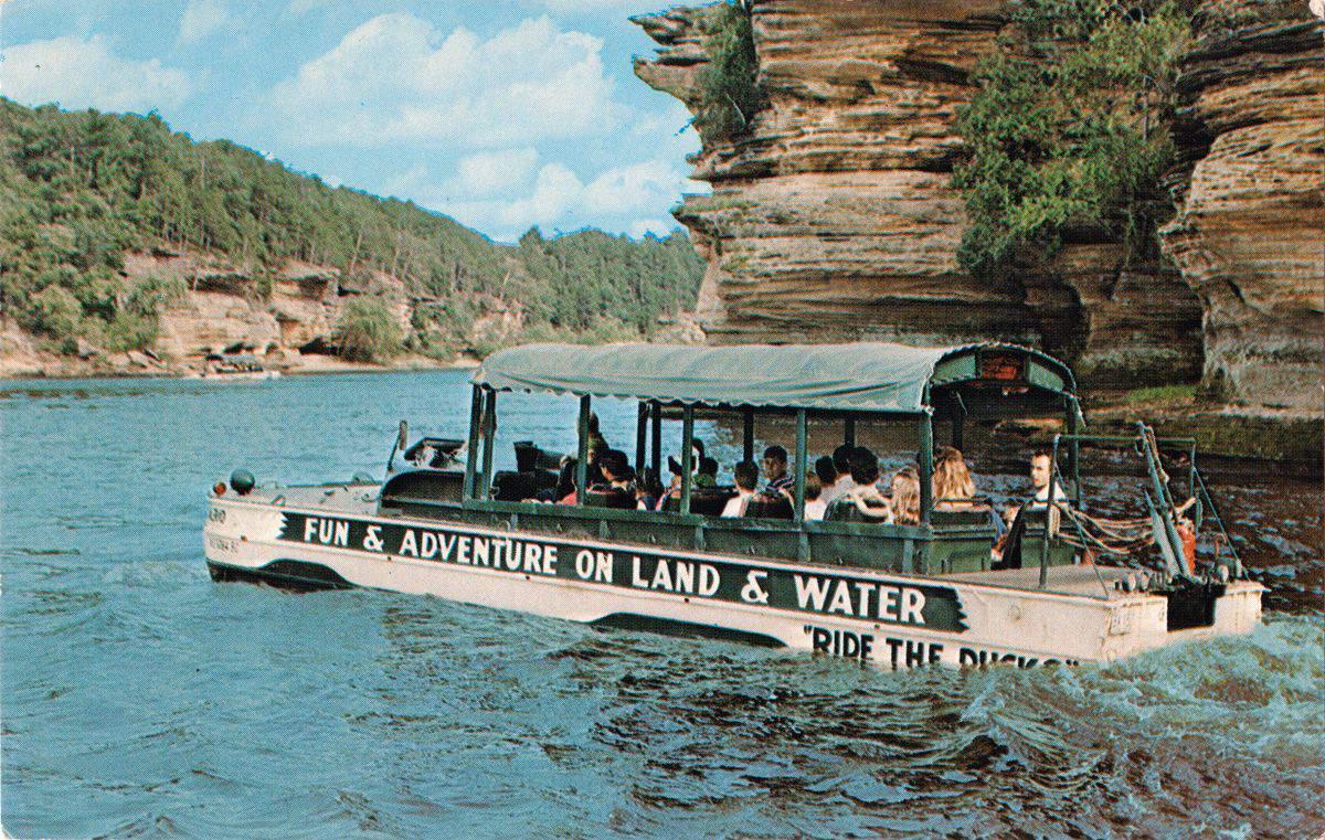 Dobová pohlednice Wisconsinských fjordů, 1960. foto: US Mail