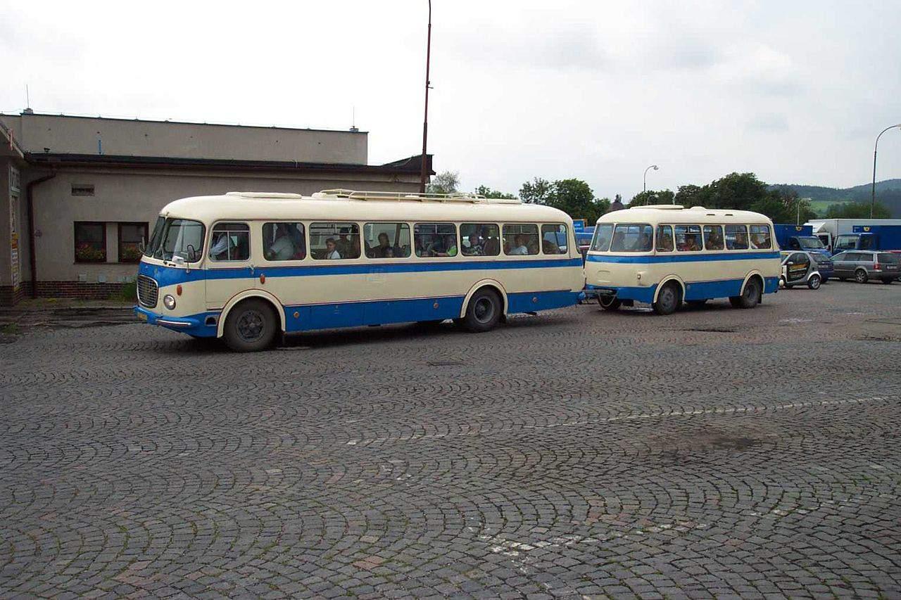 Autobus Škoda 706 RTO  s přívěsem Jelcz P01E. Foto: Wikipedia