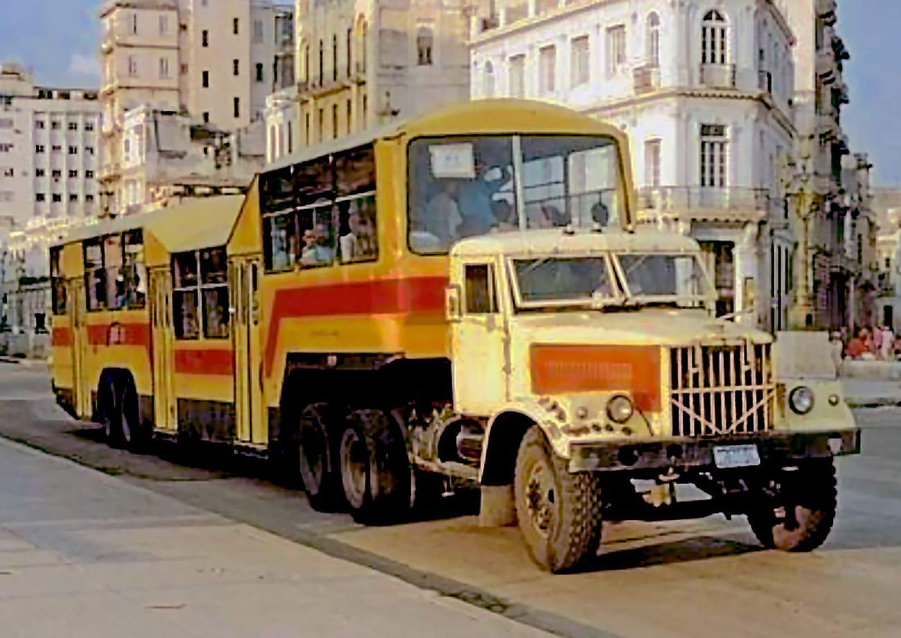 KrAZ 258, Camello, koloniální architektura...to je Kuba, jak ji známe nyní. Foto: Wikipedia.