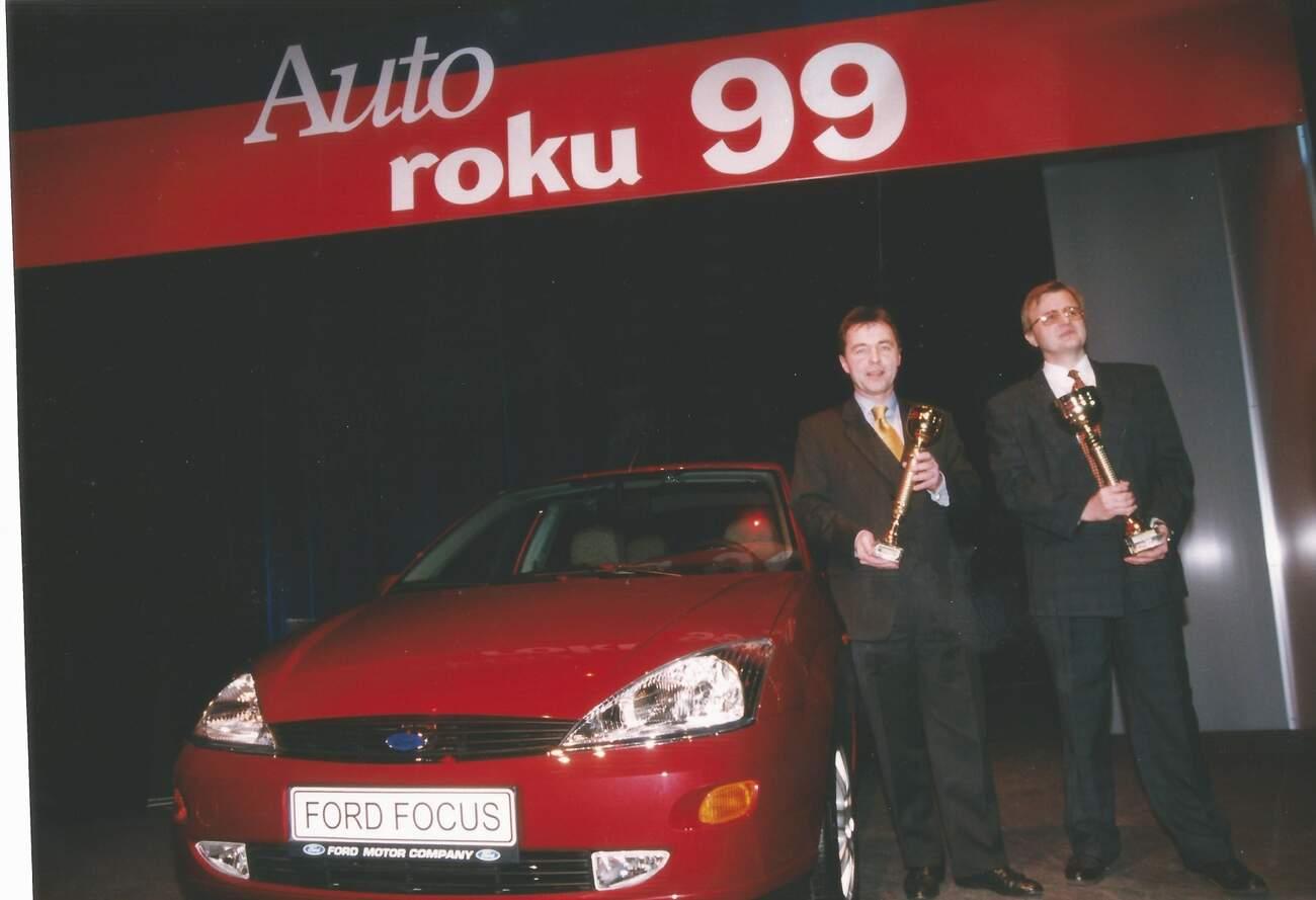 Vyhlášení vítěze české ankety Auto roku 1999, kterým se stal Ford Focus první generace.