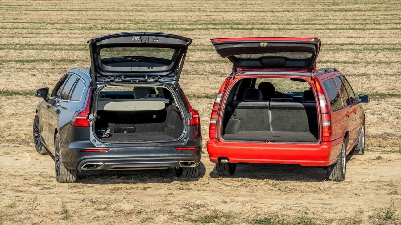 V porovnání s V60 je jasně vidět, kdo má navrch v zavazadelníku...